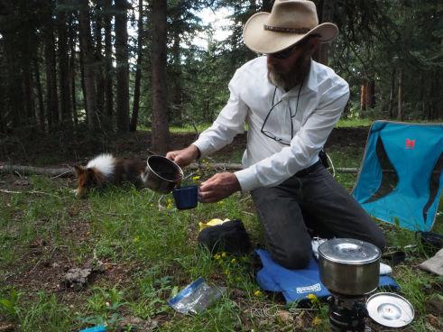 Cowboy coffee officiando